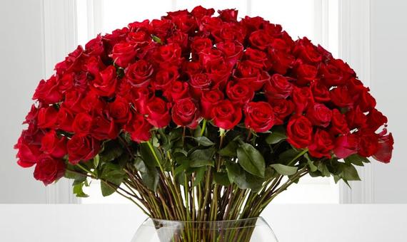 2016-05-01-1462140411-5420764-FlowersandGiftsfromFTD.png