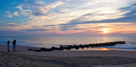 2016-05-02-1462203069-9378362-beachtown7.jpg