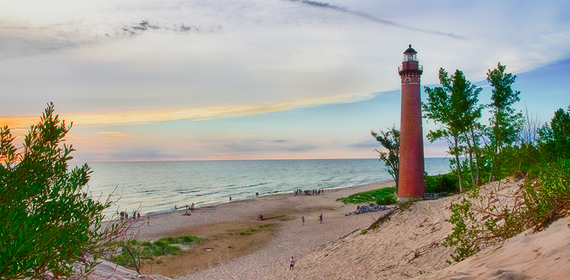 2016-05-02-1462203118-1216672-beachtown9.jpg