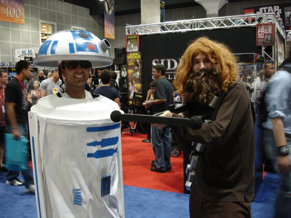 2016-05-02-1462217551-7723478-Star_Wars_Celebration_IV__R2D2_and_Chewbacca_fan_costumes_4878291443.jpg