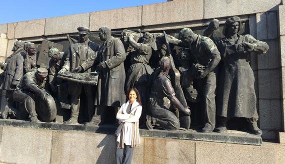 2016-05-04-1462385991-1793465-BulgarianCommunism.jpg