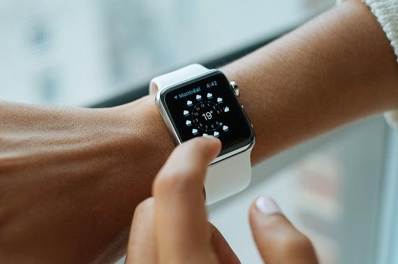 2016-05-05-1462455233-6063626-smartwatch.jpg