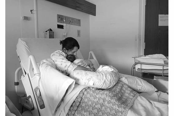 2016-05-06-1462559873-4218293-LindandAllieinhospital.jpeg