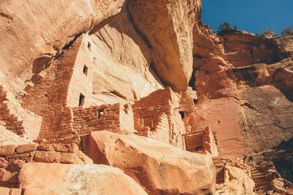 2016-05-09-1462810920-3536399-Mesa_Verde_NP_cliff_dwelling_Victor_Wei.jpg