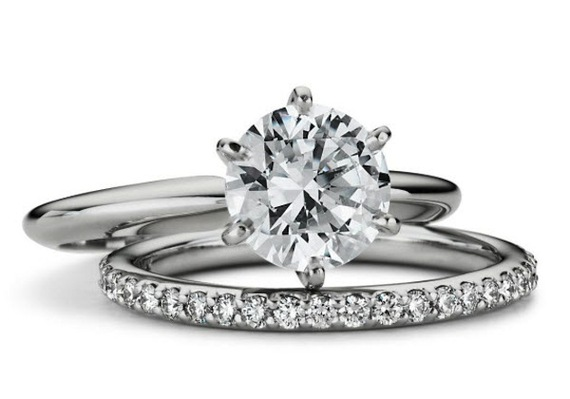 2016-05-10-1462895234-3482807-diamondring3.png