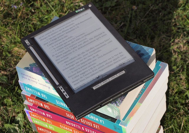 why books are better than ebooks essay Yet even though i have occasionally taken advantage of the nifty invention called e-books, i have 10 reasons why paper books are better than e-books.
