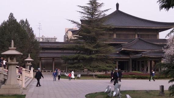 2016-05-12-1463071578-8446990-ShaanxiMuseum.jpg