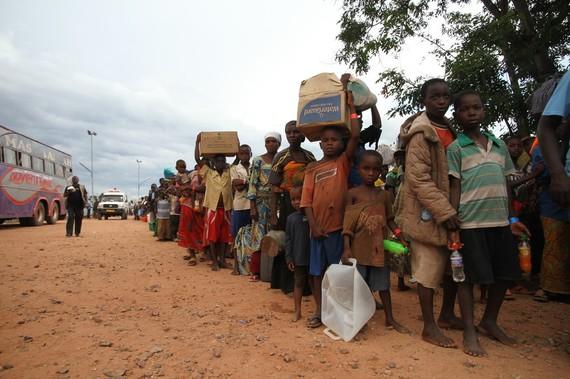 2016-05-13-1463160342-9805521-BurundirefugeesMay2015BillMarwaOxfam.jpg