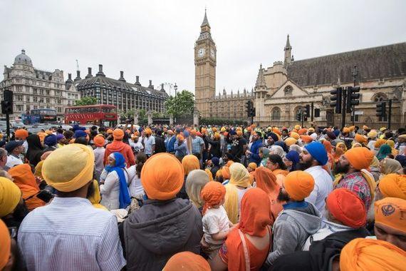 2016-05-20-1463777208-7415561-londonparliamentprotestjuly2015.jpg
