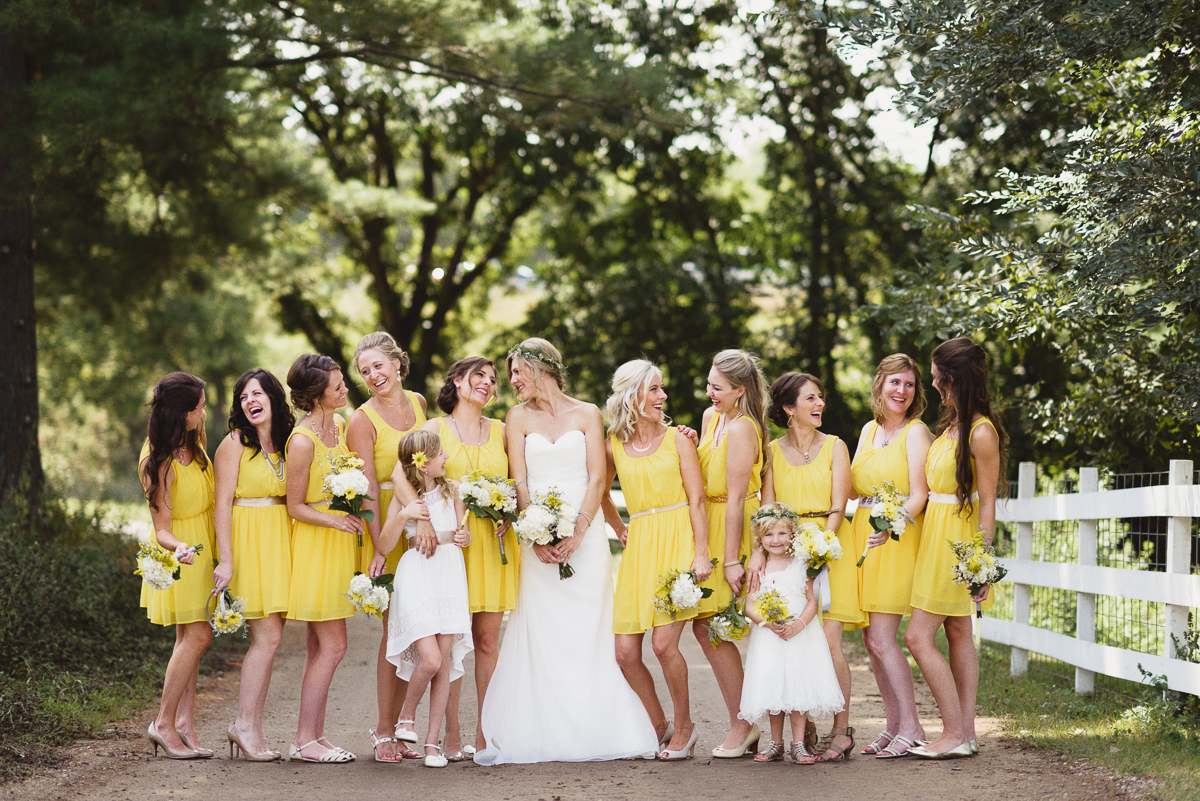 Simple but great summer wedding ideas for 2016 huffpost for Ideas for wedding pictures
