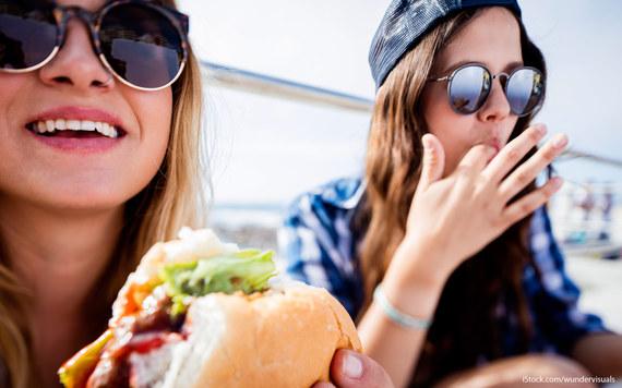 2016-05-23-1464014794-3138994-national_burger_day_deals.jpg