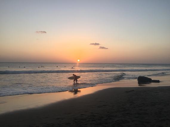 2016-05-23-1464018175-9275483-surfingrelaxation.JPG