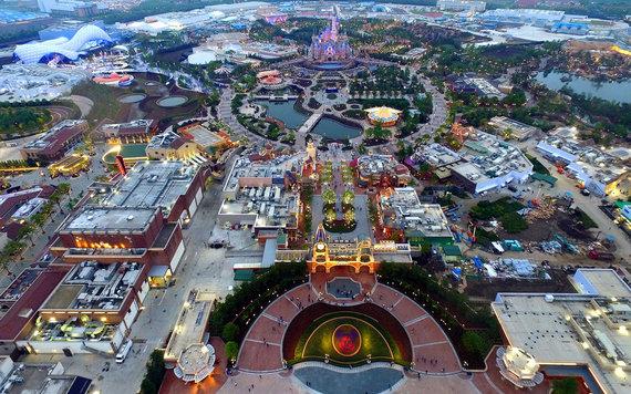 2016-05-23-1464018615-7601157-DisneylandShanghaiParkandResortDSNY0516.jpg