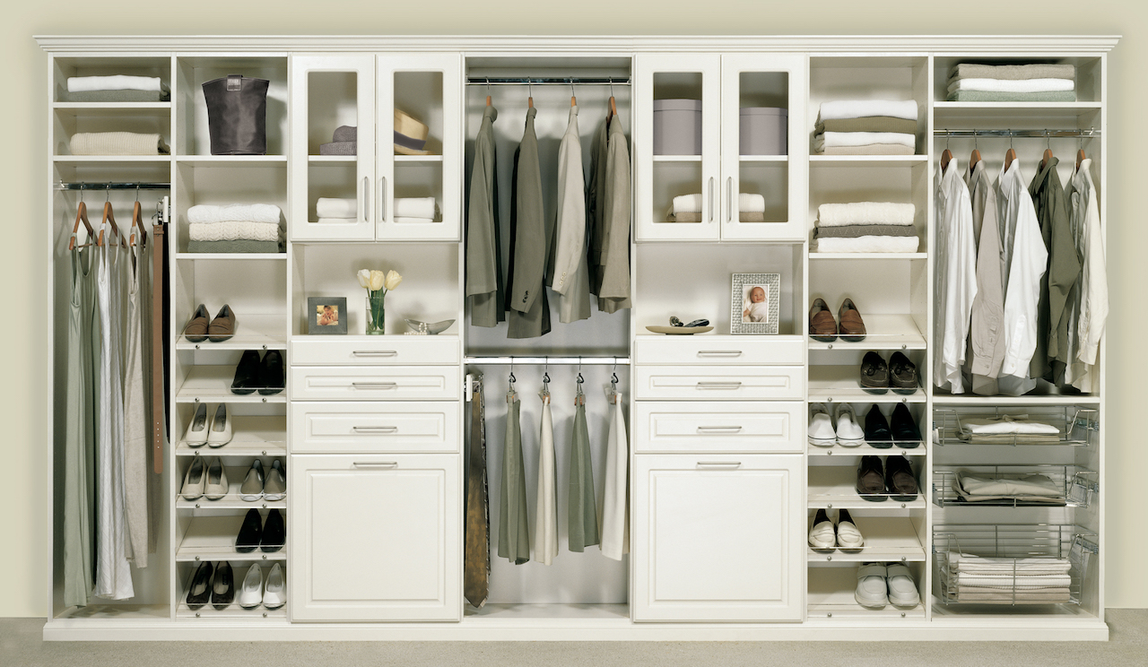 5 ideas for creating an enviably organized closet huffpost for Organized walk in closet