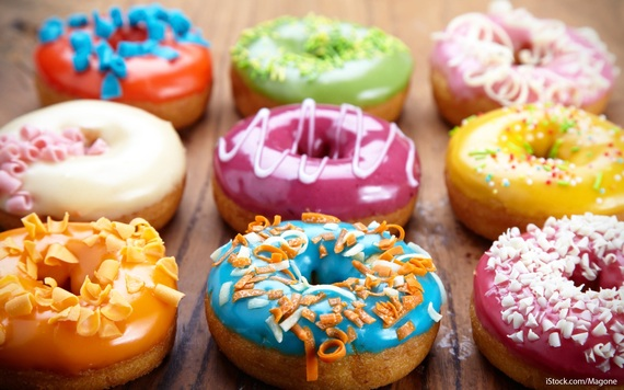 2016-05-31-1464712425-4101817-donut_day_deals_and_freebies.jpg
