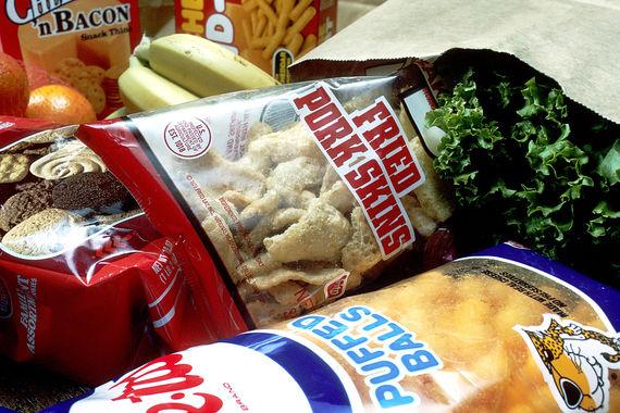 2016-06-01-1464790832-155508-Grocery_bag_of_junk_foods.jpg