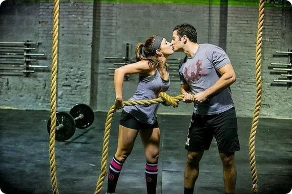 2016-06-02-1464907226-8152065-Crossfit_guide_to_dating.jpg