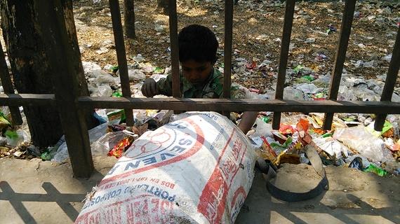 バングラデシュのゴミ集めの仕事