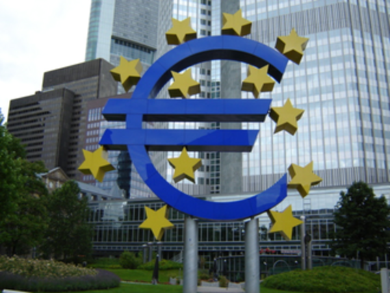 2016-06-06-1465178248-1641240-Euro_ECB.png