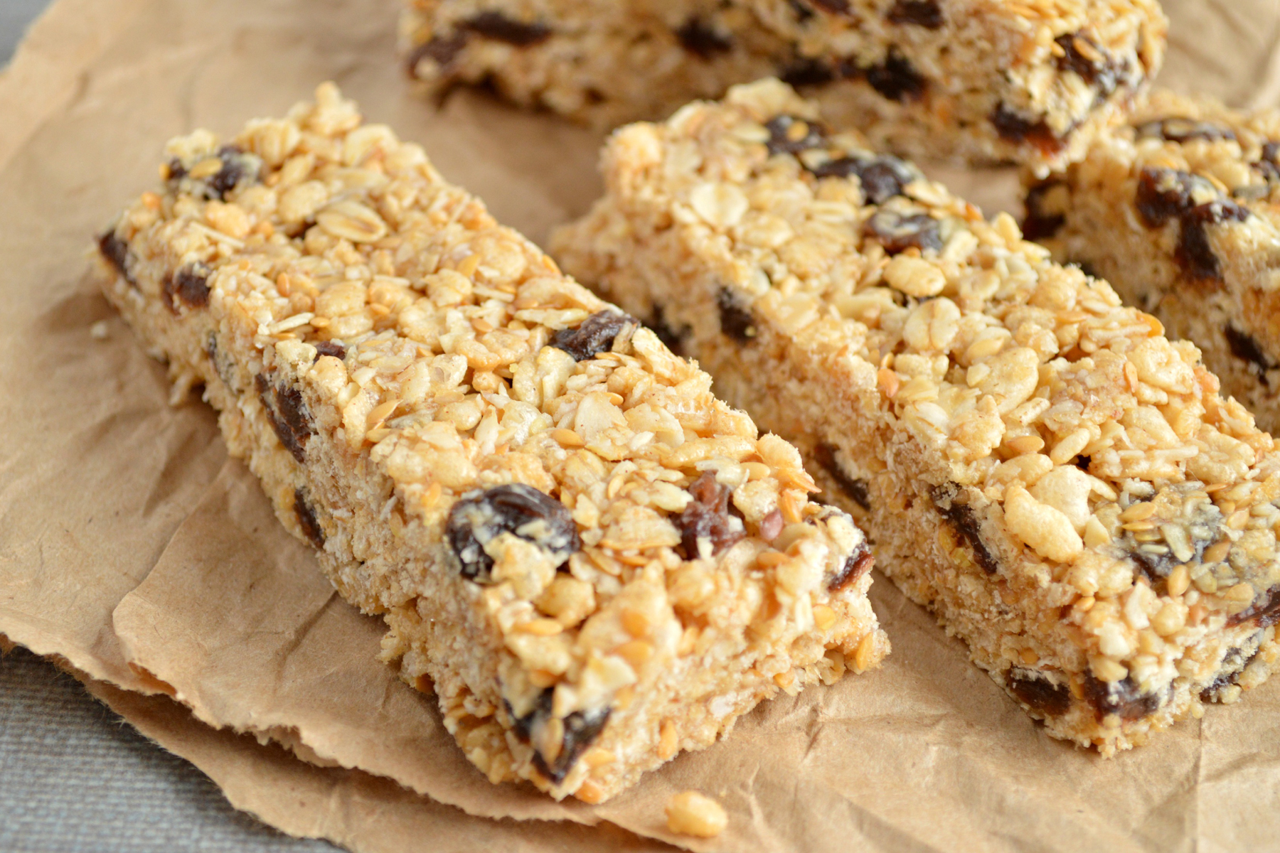 Oatmeal raisin cookie granola bars take the favorite cookie and brings ...