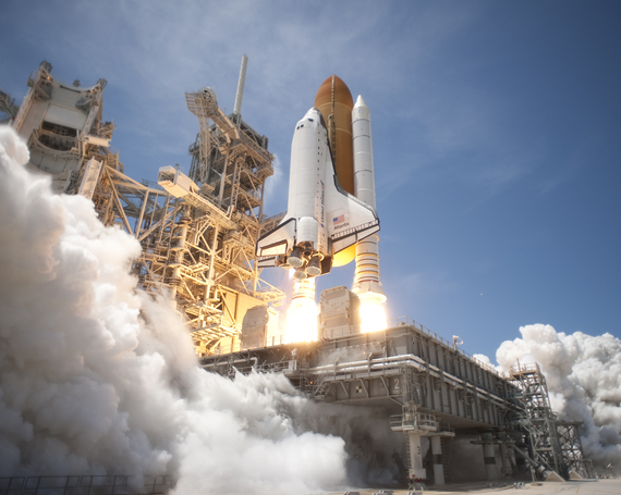 2016-06-07-1465314577-9133423-Space_Shuttle_Atlantis_launches_from_KSC_on_STS132_side_view.jpg