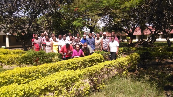2016-06-08-1465413445-6946806-MeetingwithVolunteersChildrenOfficersinKenya.jpg