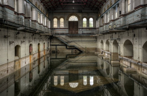 10 breathtaking abandoned places you should visit this