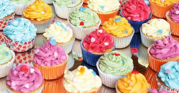 2016-06-10-1465580215-8655581-cupcakes.jpg