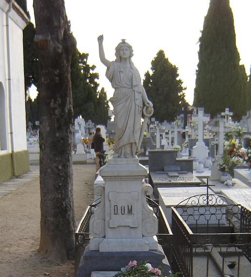 2016-06-14-1465893460-428380-cementeriotalavera.jpg