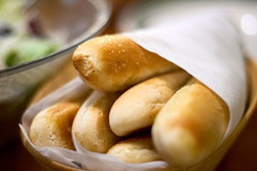2016-06-14-1465923155-711385-breadsticks.jpg