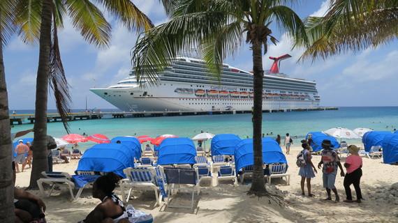 2016-06-15-1466015144-4163794-grandturk_cruiseshipIMG_0206.JPG