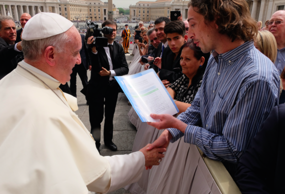 2016-06-17-1466169349-2218666-Pope_Tomas.png