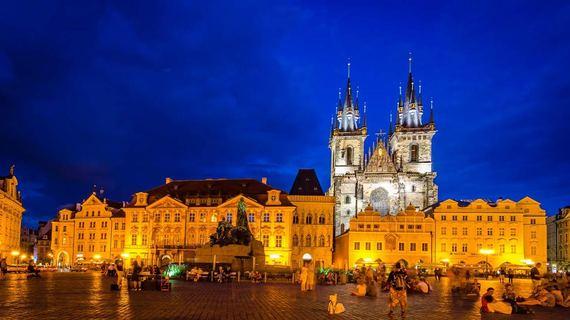 2016-06-17-1466182629-5525928-Hannah_Prague.jpg