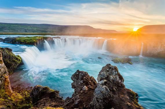 2016-07-01-1467378287-982453-Iceland.jpg
