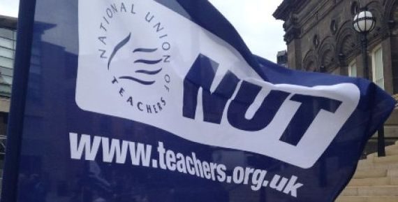 2016-07-04-1467641872-6919322-strike_teachers_flag_608x3761ART.jpg