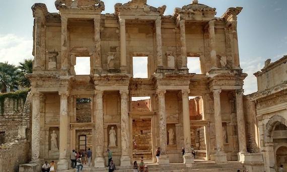 2016-07-05-1467748912-6474618-ANiederhelman.efes.Turkey.October.570.jpg