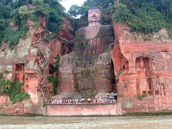 2016-07-11-1468257448-7333827-800pxLeshan_Buddha_Statue_View.JPG