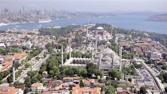 2016-07-12-1468295230-9425147-istanbultourism.jpg
