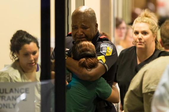 2016-07-13-1468442149-1823298-Nurses_DallasShooting.jpg
