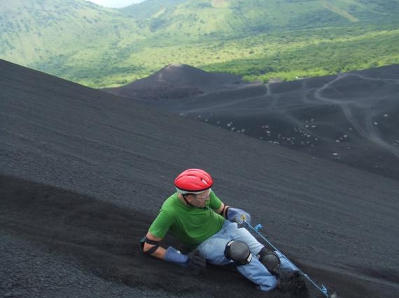 2016-07-14-1468518953-9099349-Volcano_Boarding_Cerro_Negro_wikipedia.jpg