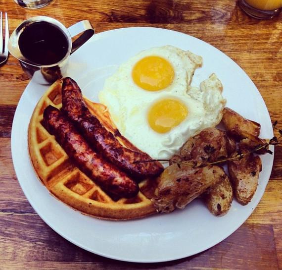 2016-07-18-1468855501-5962471-CopyofCopyofSFSparrowBar_kitchenAmericanbruncheggwaffleandbacon.jpg