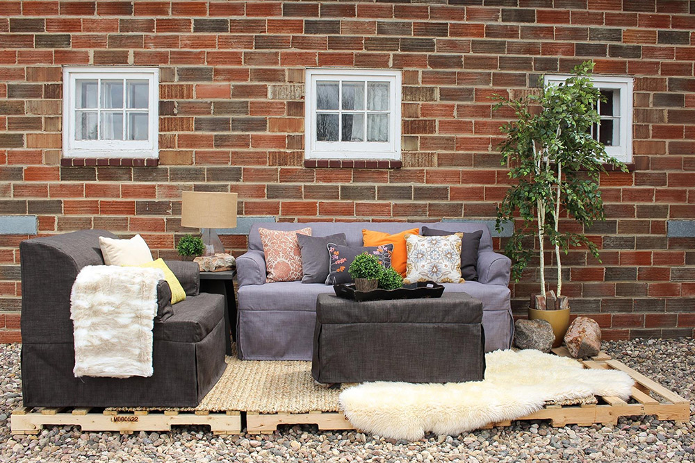 Staging Solution Using Pop Up Furniture To Sell Your Home