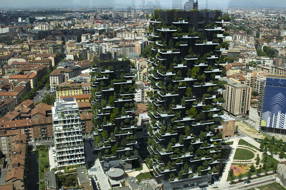 2016-07-22-1469196096-6182063-Bosco_Verticale_from_UniCredit_Tower_Milan_17591709258.jpg