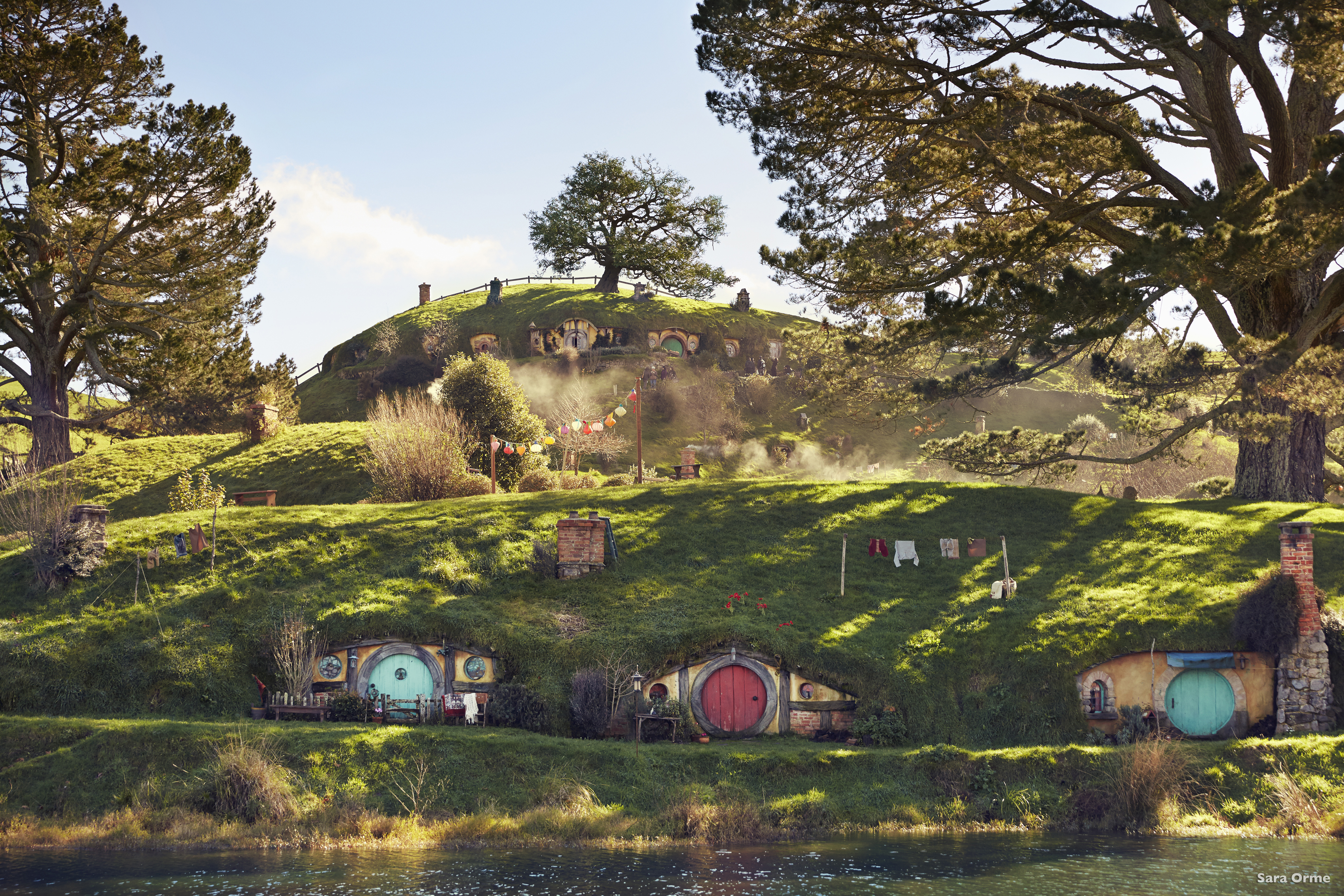 visit the real hobbiton in new zealand. Black Bedroom Furniture Sets. Home Design Ideas
