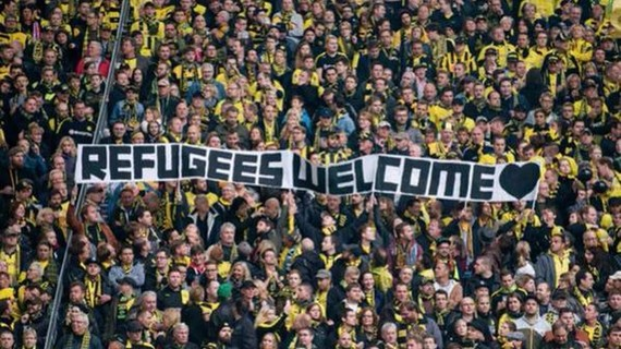 2016-07-26-1469572691-6192542-RefugeesWelcome.jpg