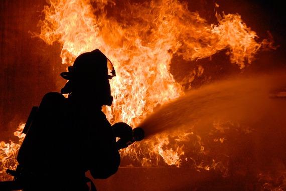 2016-07-27-1469605872-6329616-firefighter.jpg