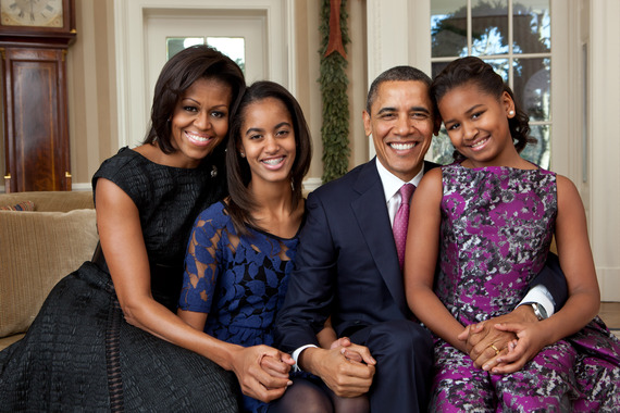 2016-07-27-1469611761-2510168-Barack_Obama_family_portrait_2011.jpg