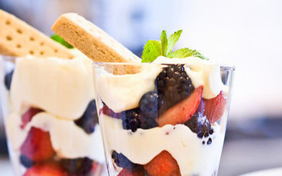 2016-07-28-1469732585-3834569-lemonberryparfaits.jpg