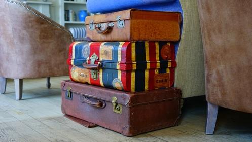 2016-07-29-1469800943-8035534-luggage1436515.jpg