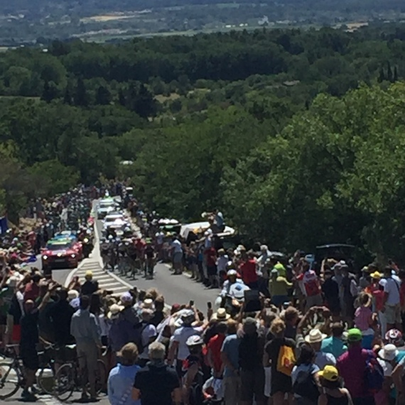 2016-07-30-1469886738-7065663-Tourbikers.jpg